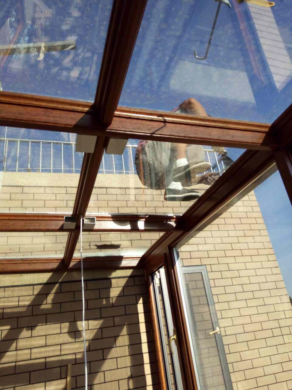 BOB体育客户端玻璃阳光房 钢结构支架 联系电话:13176357556